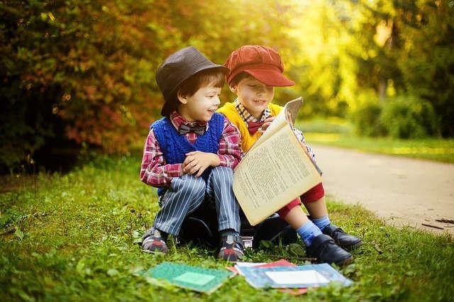 crianças estudando 640x426 jpeg - Finanças Pessoais.