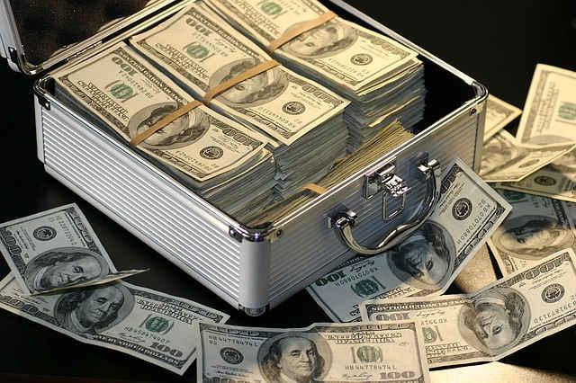 ganhar dinheiro 640x426 jpg - Profissão Trader - Como Estou Ensinando Meu Filho A Se Tornar Um Trader Vencedor.